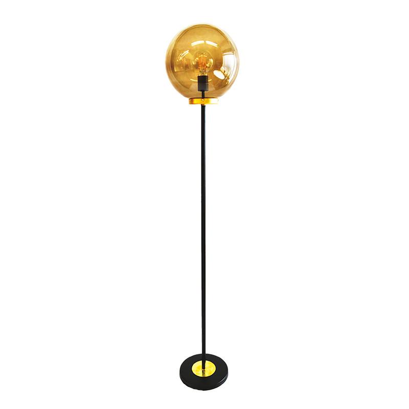 Lámpara Pie de Salón, armazón metálico en acabado negro con elementos de latón, 1 luz, con difusor en bola Ø 30 cm