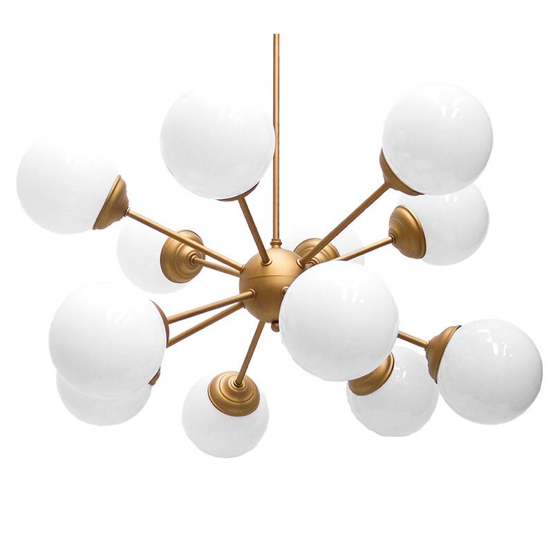 Lámpara de techo, estilo vintage, metálica en varios acabados, con bolas de cristal en acabado opal blanco brillo.