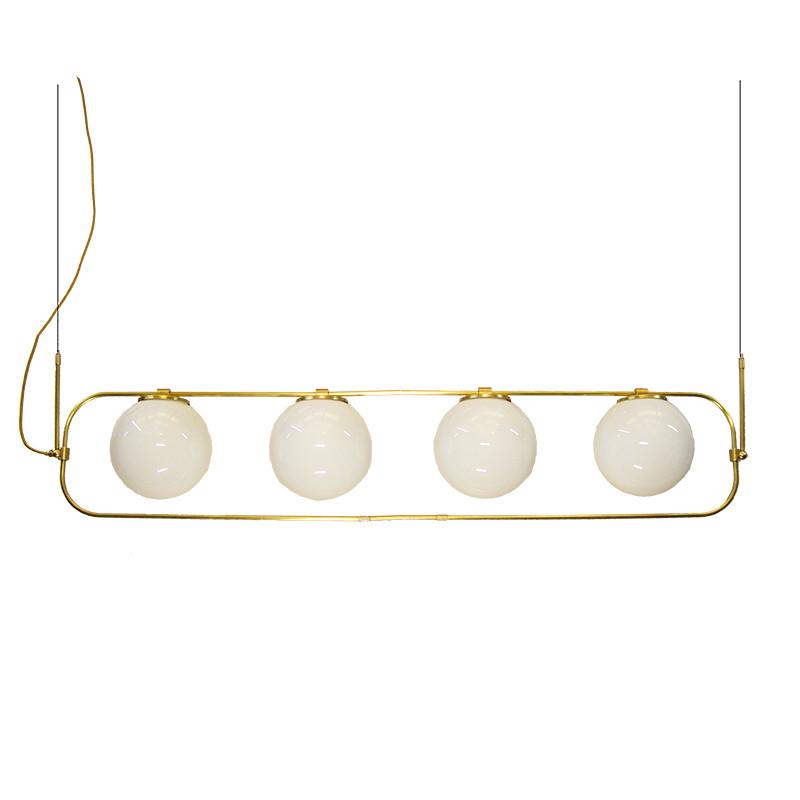 Lámpara de techo, estructura de latón en acabado satinado, 4 luces, con bolas de cristal Ø 20 cm, en acabado opal blanco.
